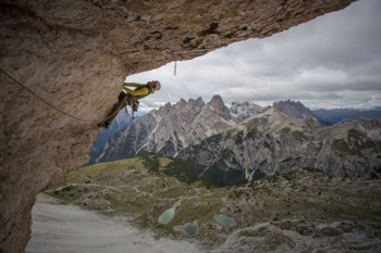 Mountain-Equipment-Athlet Dave MacLeod beim Alpinklettern in den Dolomiten. | Foto: Mountain Equipment
