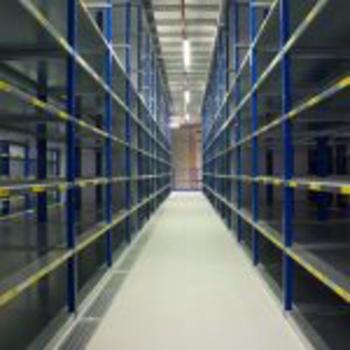 New warehouse: Intelligent lighting technology ensures that lights are switched on only when needed.