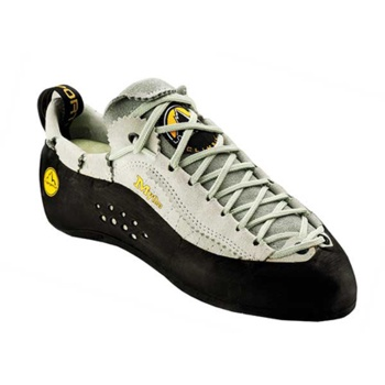 La Sportiva Mythos: no one climbing shoe has probably ever climbed so many routes as this model.