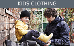 Clothing for kids in the Bergzeit shop and outlet
