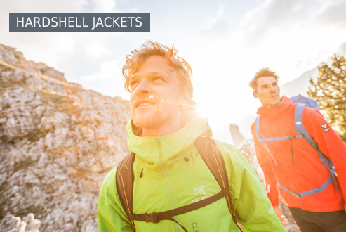 Buy hardshell jackets secure and conveniently at Bergzeit